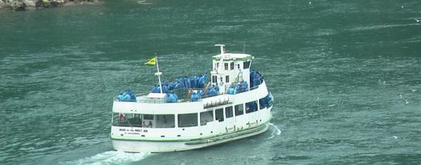 Bootstouren bei den Niagarafällen
